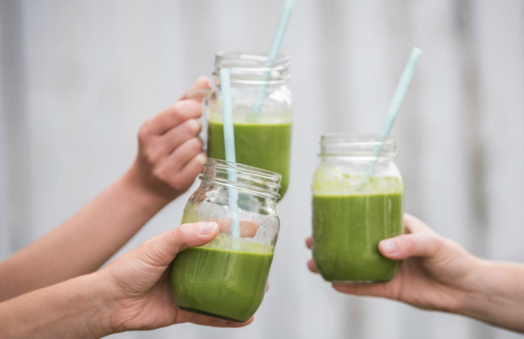 4 Delicious CBD Smoothie Recipes To Blend Up This Week