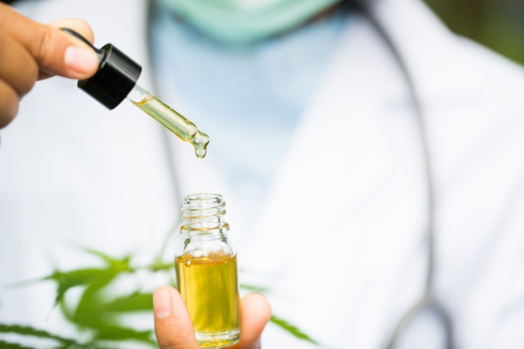 CBD For Migraines: How To Use CBD Products Against Migraines and Headaches