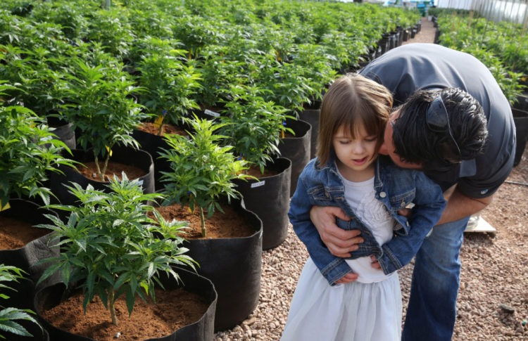 Colorado Girl Who Inspired 'Charlotte's Web' Medical Marijuana Oil Dies at 13