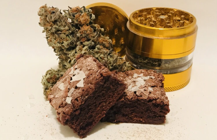<div>Weed And Grub's Mike & Mary Jane Bake Kief-dusted Sea Salt Brownies</div>