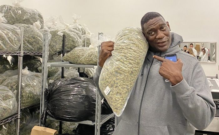 """Shawn Kemp Reveals He Smoked Weed During NBA Career – """"It's Better Than Pills"""""""